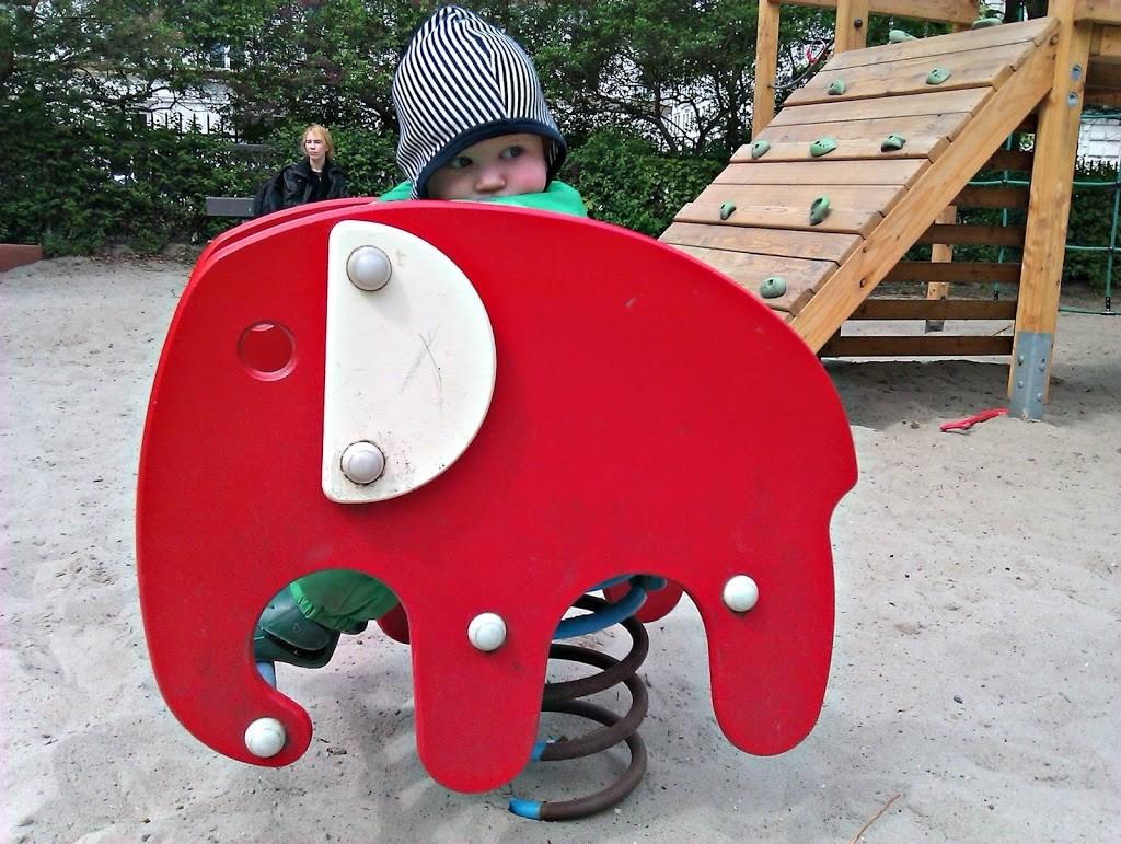 en-elefant-kom-marcherende5