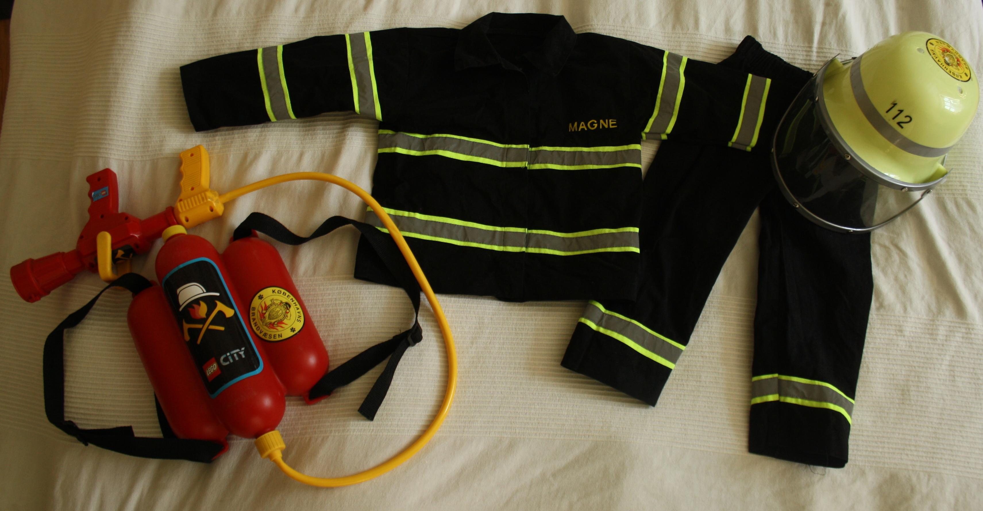 Kostume brandmand sy selv