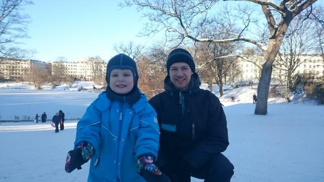 Magne og bjarke i sneen
