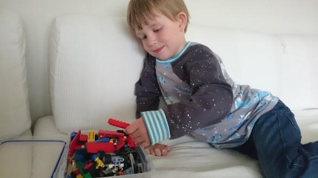 Lego Magne april